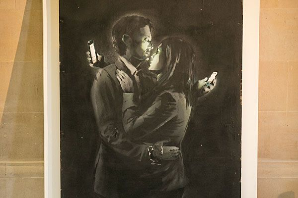 Banksy's 'Mobile Lovers'.