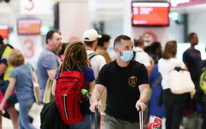 Coronavirus: NSW orders any traveller from Melbourne within past two weeks to isolate immediately