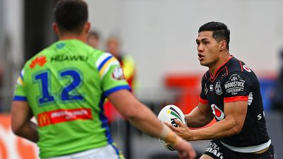 Warriors snatch unbelieveable win over Raiders