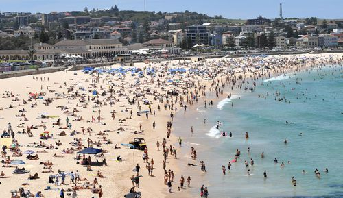 Bondi beach was packed as the Sydney heatwave showed no signs of cooling off.