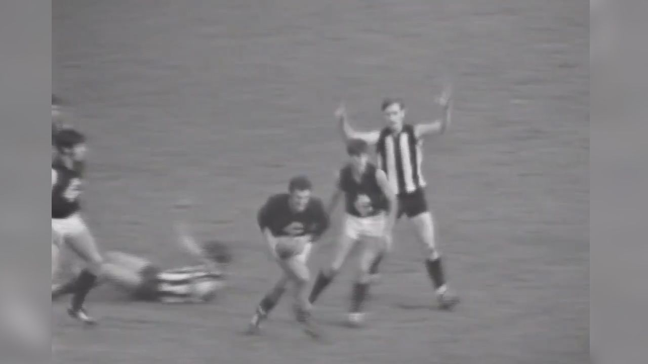Beitzel commentates during 1970 grand final