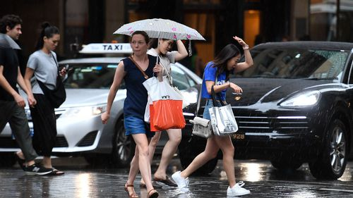 The mercury in Sydney plummeted dramatically as a cool change made its way through the city yesterday afternoon.