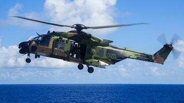 190529 Australian navy helicopter pilots targeted lasers South China Sea military news World