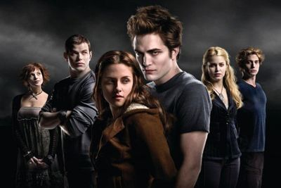Both have been tediously coy to admit to their off-screen <i>Twilight</i> romance...