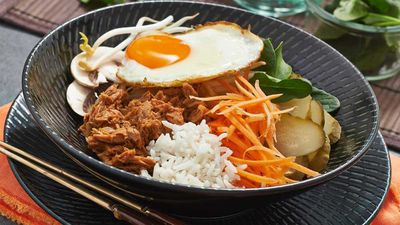 """Recipe: <a href=""""http://kitchen.nine.com.au/2017/01/19/12/07/tuna-bibimbap"""" target=""""_top"""">Tuna bibimbap</a>"""