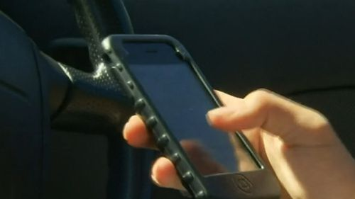 WA drivers to face $1000 fine for using phone behind the wheel