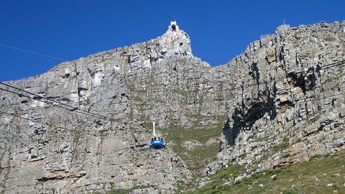 A cable car ascends Table Mountain. Photo: Getty Images