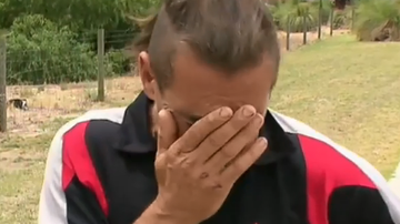 Homeless man breaks down after dog dies in hot car