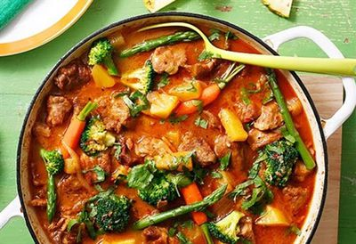 Slow-cooked pork and pineapple with chilli