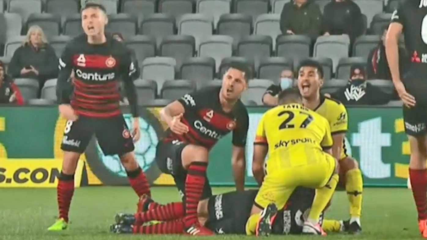 Wanderers defeat Wellington, concern for Nicolai Muller after sickening collision