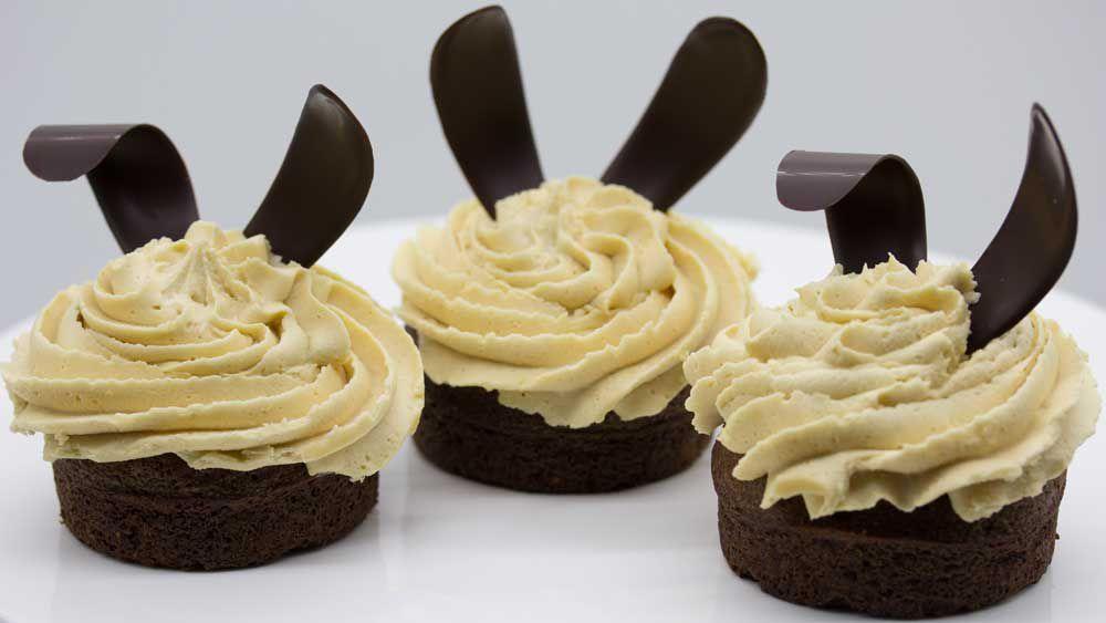 Peanut buttercream cupcake