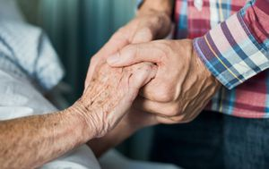 Coronavirus: Aged care royal commission makes six urgent recommendations for future pandemic response