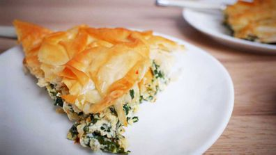 Lazy spinach pan pie is so easy it's perfect for dinner tonight