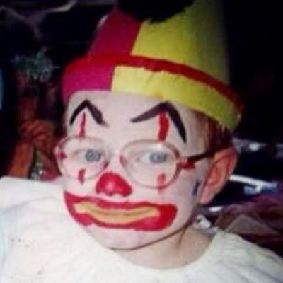 Think out loud for this clown.