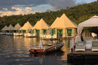<strong>4 Rivers Floating Lodge:&nbsp;Koh Kong, Cambodia</strong>