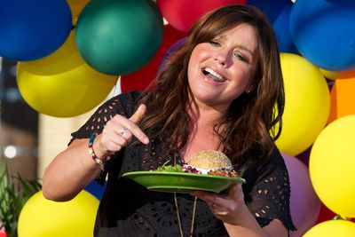 US celebrity TV chef, <b>Rachael Ray</b>, reportedly promotes leaving less than a 20% tip on meals. Makes sense for Rachael... she's not actually cooking for real people in a real restaurant and living off the profits. With millions of followers, Rachel could pretty much convince the whole of the US to tip less than 20%. <br/>