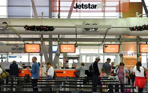 NSW Health not present when Jetstar passengers disembarked at Sydney in COVID-19 breach
