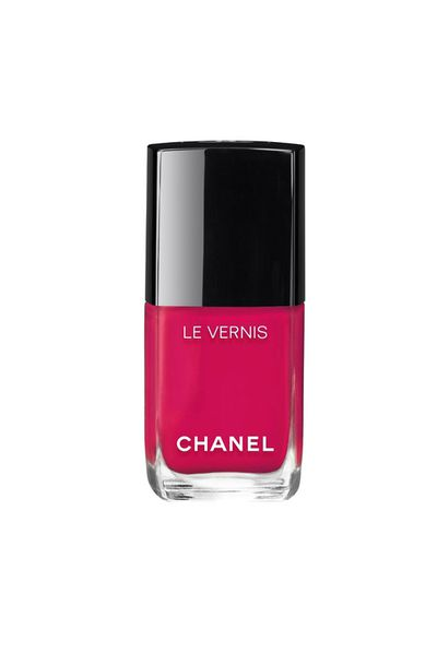 "<a href=""http://www.chanel.com/en_US/fragrance-beauty/makeup-colour-le-vernis-140404/sku/140412"" target=""_blank"">Chanel Le Vernis in Camelia, $40, Chanel.com</a>"