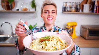 Jane de Graaff cooks easy ten minute blue cheese, fennel and pear pasta