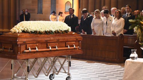 Mourners have been asked to wear white to Les Murray's funeral. (AAP)