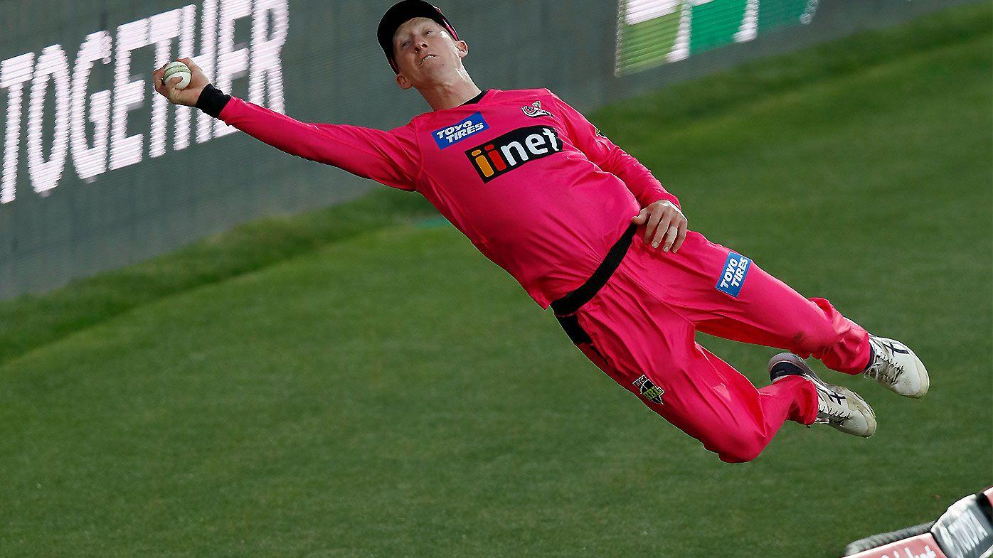 'Flew like superman': Jordan Silk lights up BBL opener with remarkable boundary save