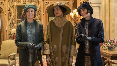 Downton Abbey the movie - Lady Edith, Lady Grantham and Lady Mary visit Royals