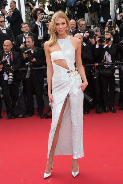 <p>Karlie Kloss in Versace</p>