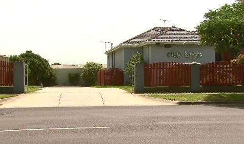 Police believe he was stabbed in the carpark of Club Keys, a nearby massage parlour. (9NEWS)