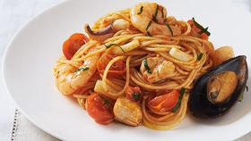 Spaghettini with mixed seafood and basilico sauce