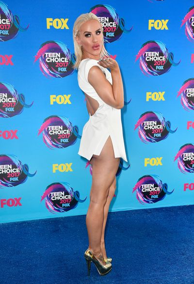 Gigi Gorgeous in August Getty at the 2017 Teen Choice Awards, LA