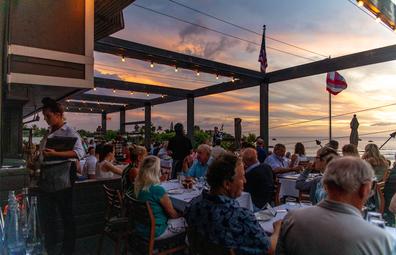 Fleetwoods restaurant, Maui