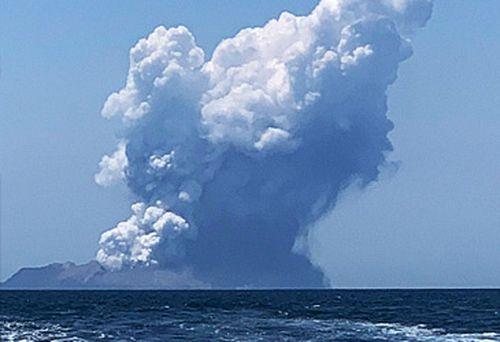 Volcano erupting (AAP)