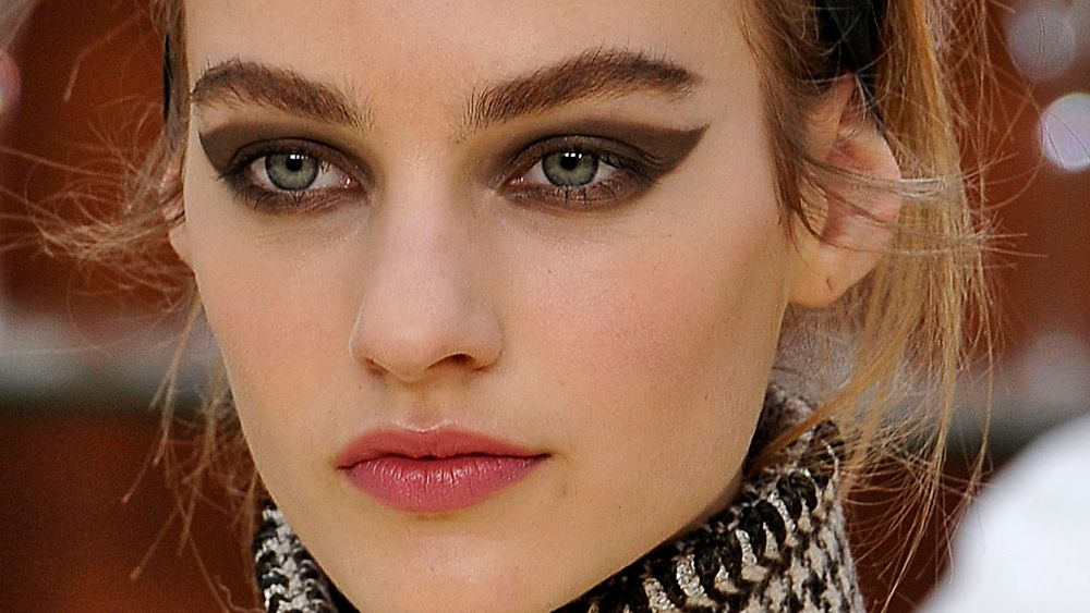 Kristen Stewart wore this cat-eye runway look for real life