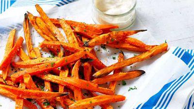 "Recipe:<a href=""http://kitchen.nine.com.au/2017/06/08/15/59/sweet-potato-fries-with-yogurt"" target=""_top"">Sweet potato fries with yogurt</a>"