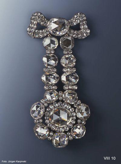Diamond hat clasp