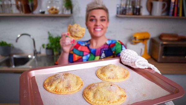 Jane de Graaff cooks mini apple hand-pies