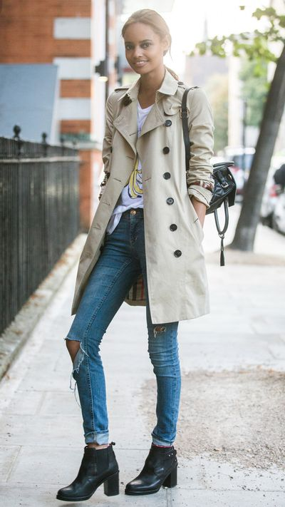Want to add polish to your laid-back jeans? As model Malaika Firth proves, a trench is the only way.