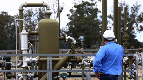 """Santos Shares Unmoved Despite Greenlight For Gas Project"""""""