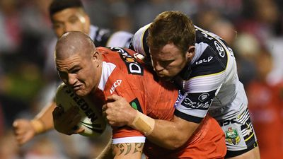 <strong>St George Illawarra Dragons - Russell Packer</strong>