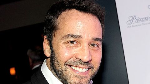 Jeremy Piven is not replacing Charlie Sheen on Two and a Half Men