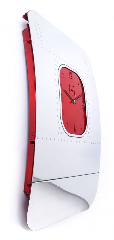 "<strong><a href=""https://www.fallenfurniture.com/products/clocks/"" target=""_blank"" draggable=""false"">Boeing Fuselage Clocks </a></strong>"