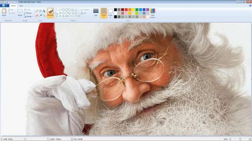 One artist spent nearly 50 hours creating this complex drawing of Santa Claus using a basic selection of tools available in the Microsoft Paint application. (YouTube/Eclectic Asylum Art)