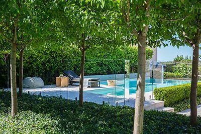 <strong>Opt for a stylish pool fence</strong>