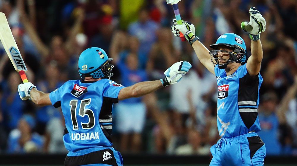 Lehmann six steals BBL win for Strikers