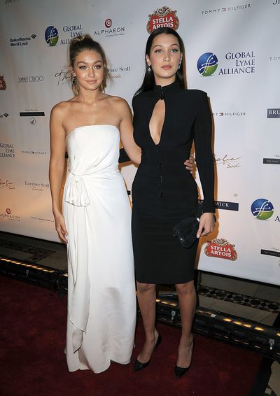 In 2015, the young, and perhaps less confident, models had each other's backs at the 2015 Global Lyme Alliance Gala in NY. Image: Getty