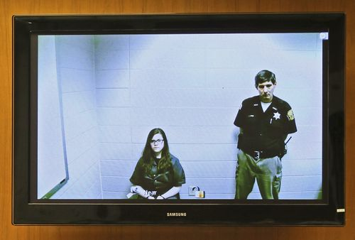Anissa Weier, left, appeared via video link from the Washington County Secure Detention Center in 2016. (AAP)