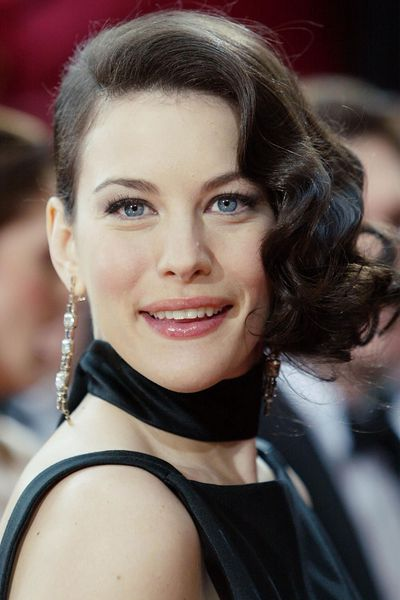 Even in 2004, Liv Tyler's 1920s finger waves felt fresh.