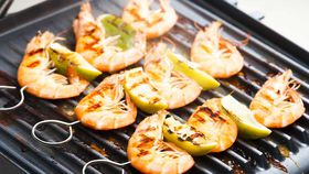 Barbecue prawn skewers