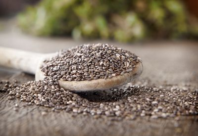 <strong>#8 Chia seeds (17g of protein per 100g)</strong>