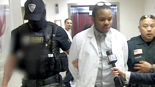 An undercover agent who posed as a patient said Love-Robinson took her temperature, blood pressure and listened to her lungs with a stethoscope. Source: WPBF